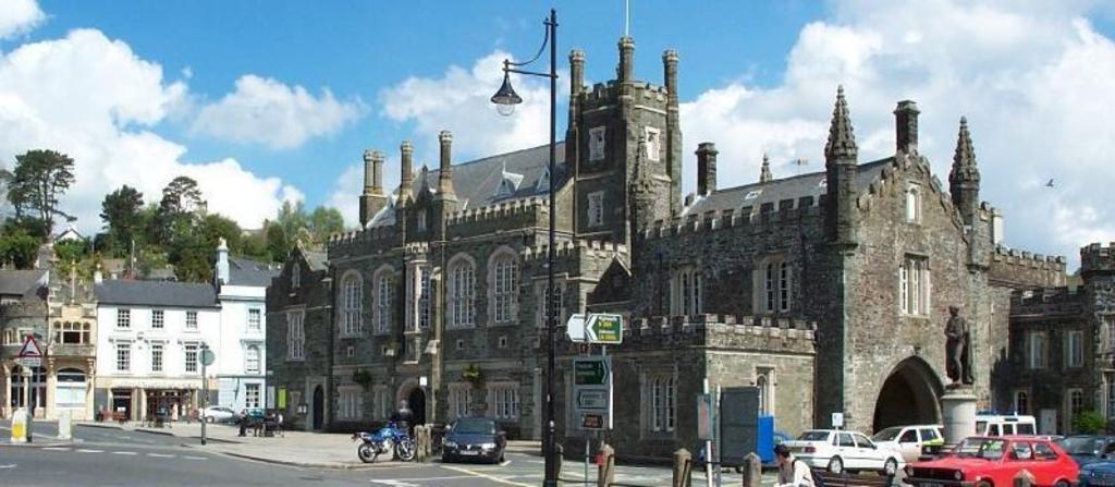 Bedford Square, Tavistock