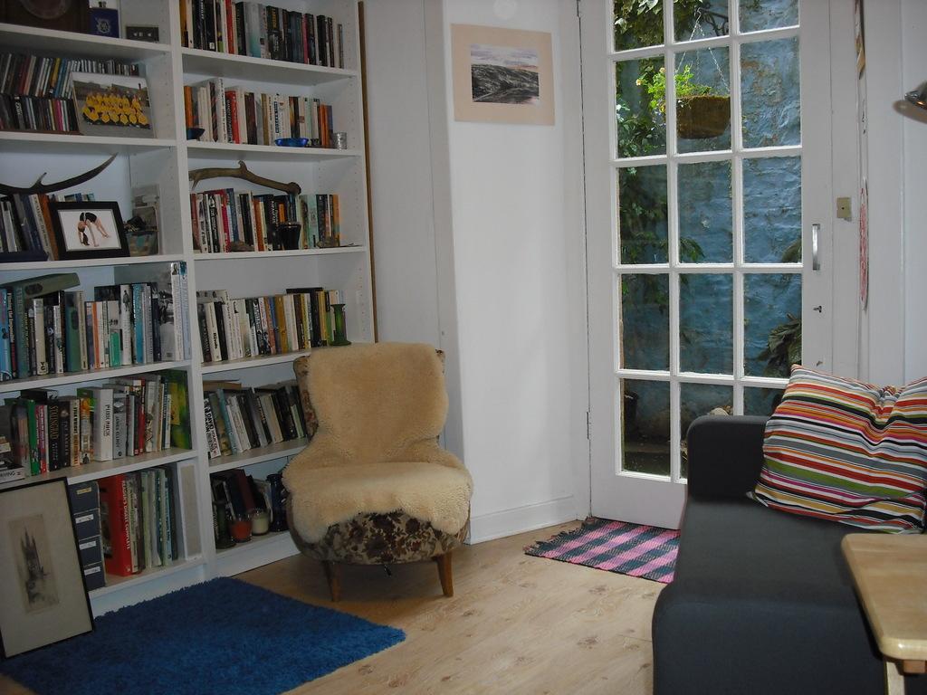 downstairs office / bedroom
