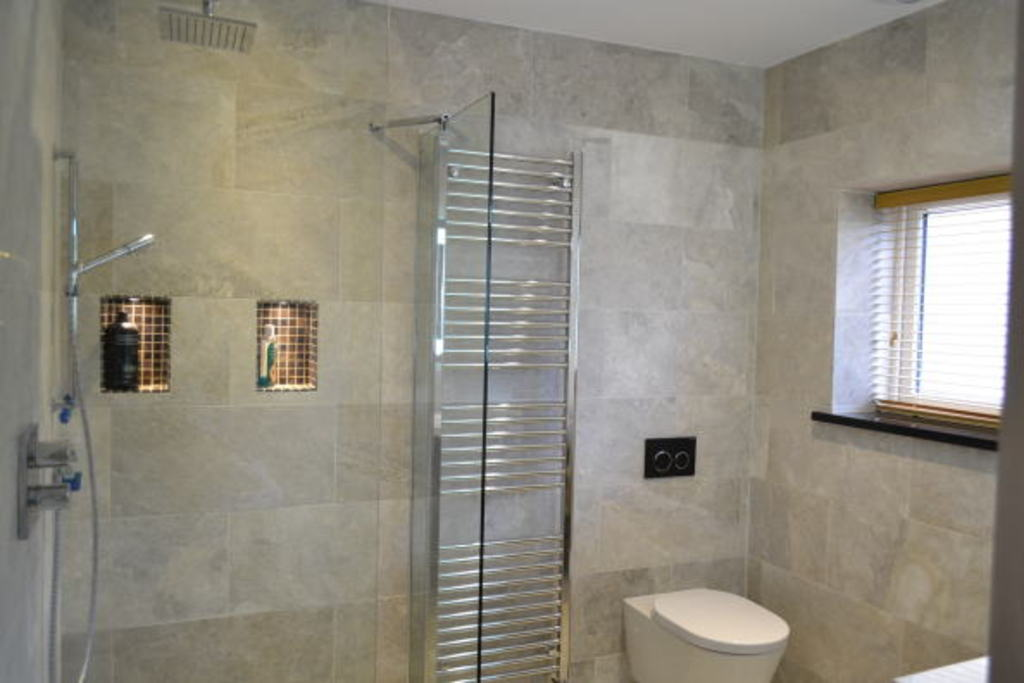 En-suite wet-room to bedroom 2