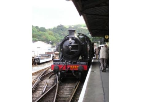 Kingswear steam railway 10 minutes away by walking and ferry.