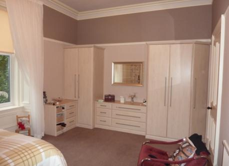 Main Bedroom with en-suite toilet and shower