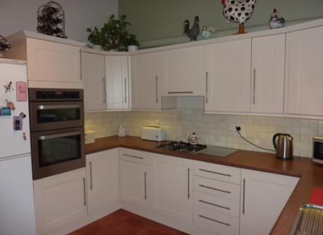 kitchen showing double oven and hob