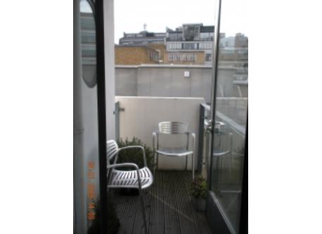 London flat- balcony
