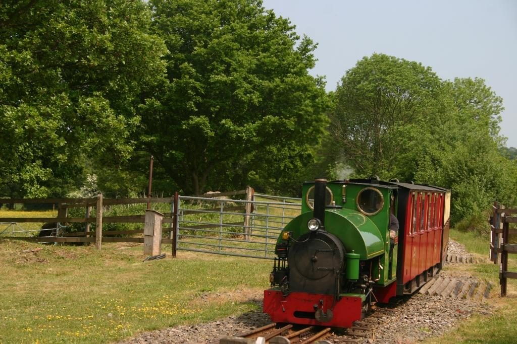 Nearby Kirklees Light Railway