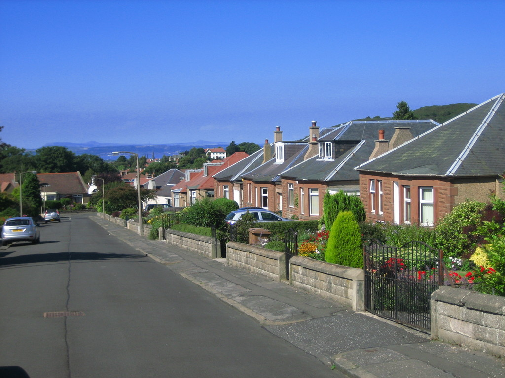 Street view- looking north to Firth of Forth