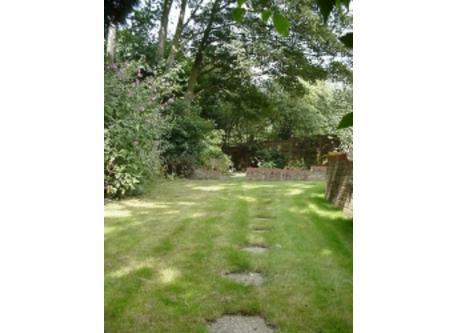 Towards right rear garden