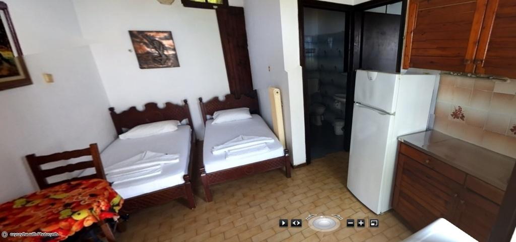 First apartment reception area, kitchen, bathroom