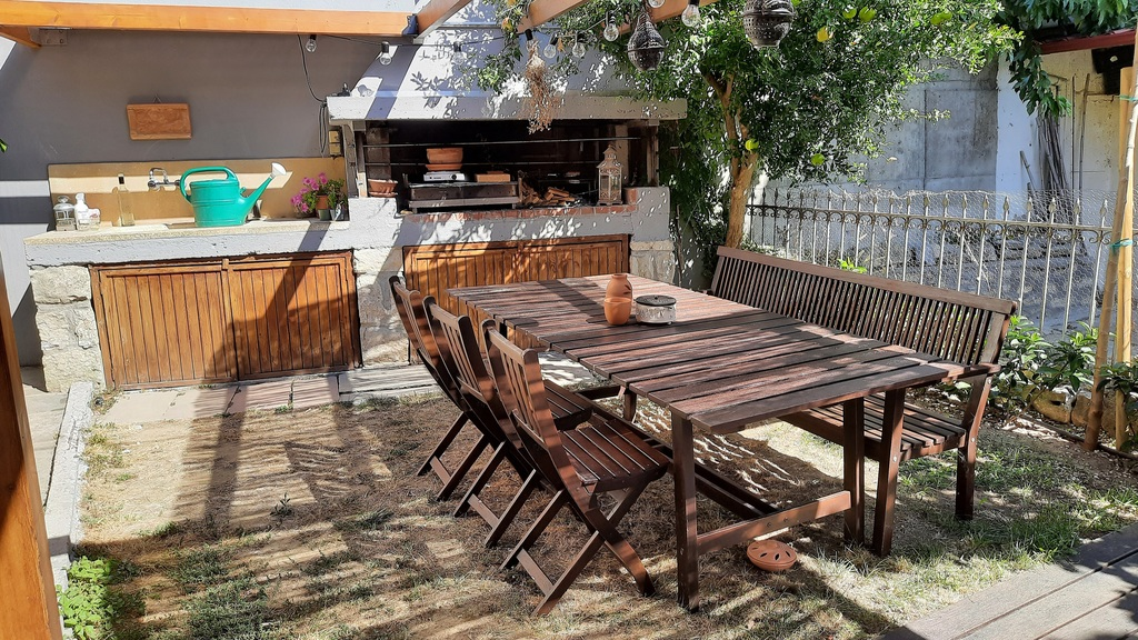 Backyard-The BBQ post with the outdoor dining table