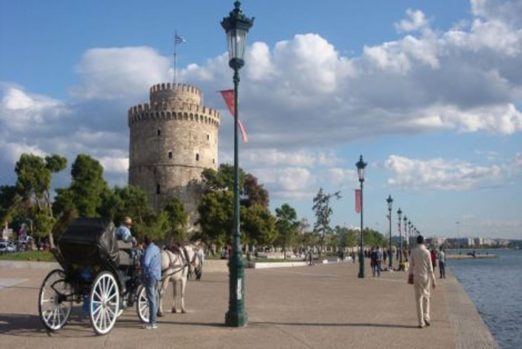 THE WHITE TOWER AT THE HARBOUR OF THESSALONIKI