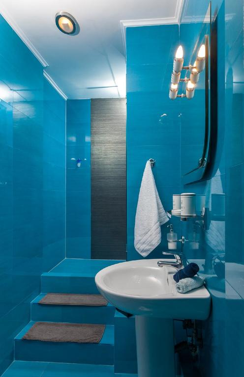 The bathroom with the shower
