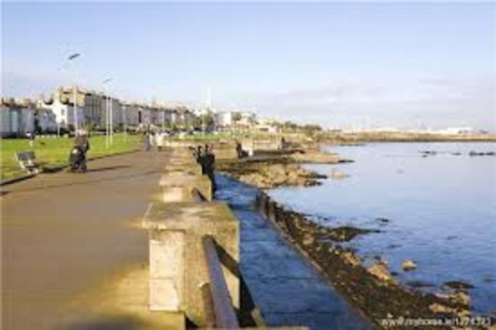 5 min walk away - Sandycove seafront