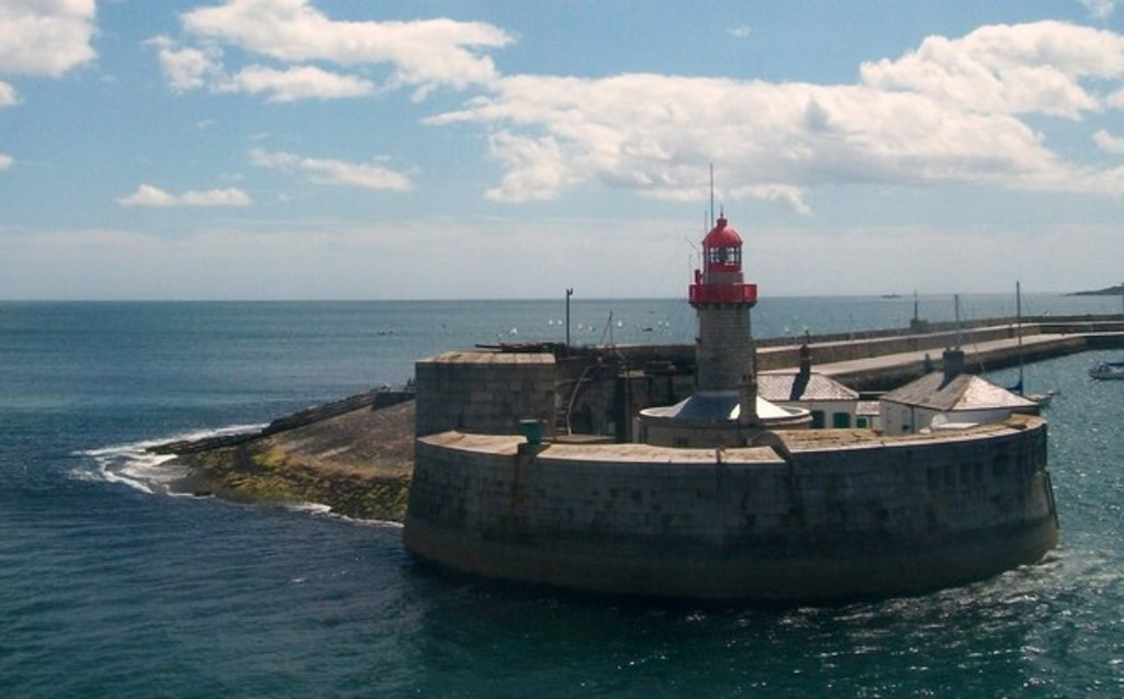 Dunlaoghaire Harbour only 20 minutes Drive