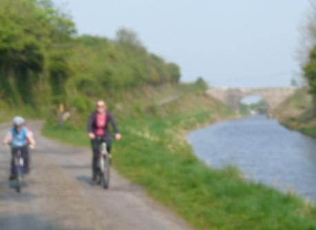A cycle down the canal bank