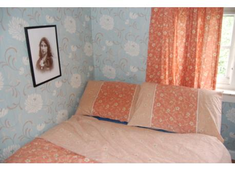 front bedroom double bed