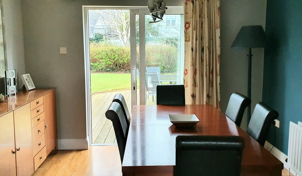 Dining Room which opens onto the outside patio.