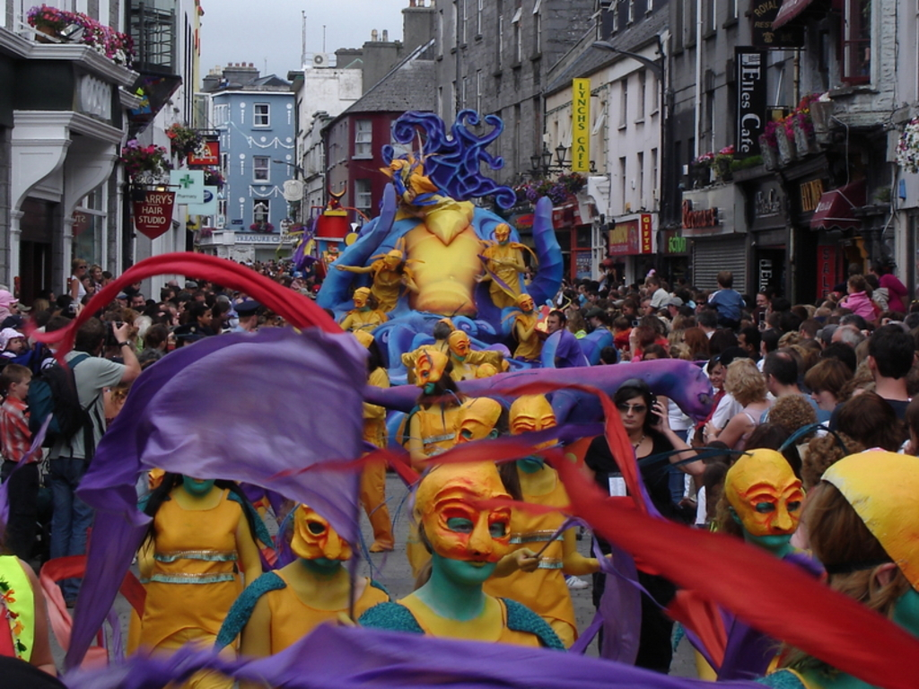 Street entertainers at Art's Festival in Galway