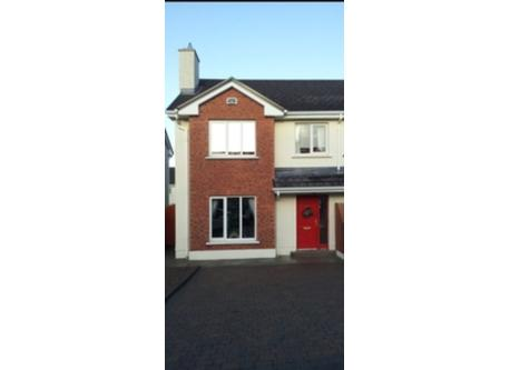 3 bedrooms, semi detached, Wifi, Sky Tv, ChromeCast, parking for 2 cars, Garden at the rear enclosed, side gate entry from fr...