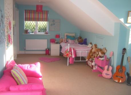 Girls bedroom en suite