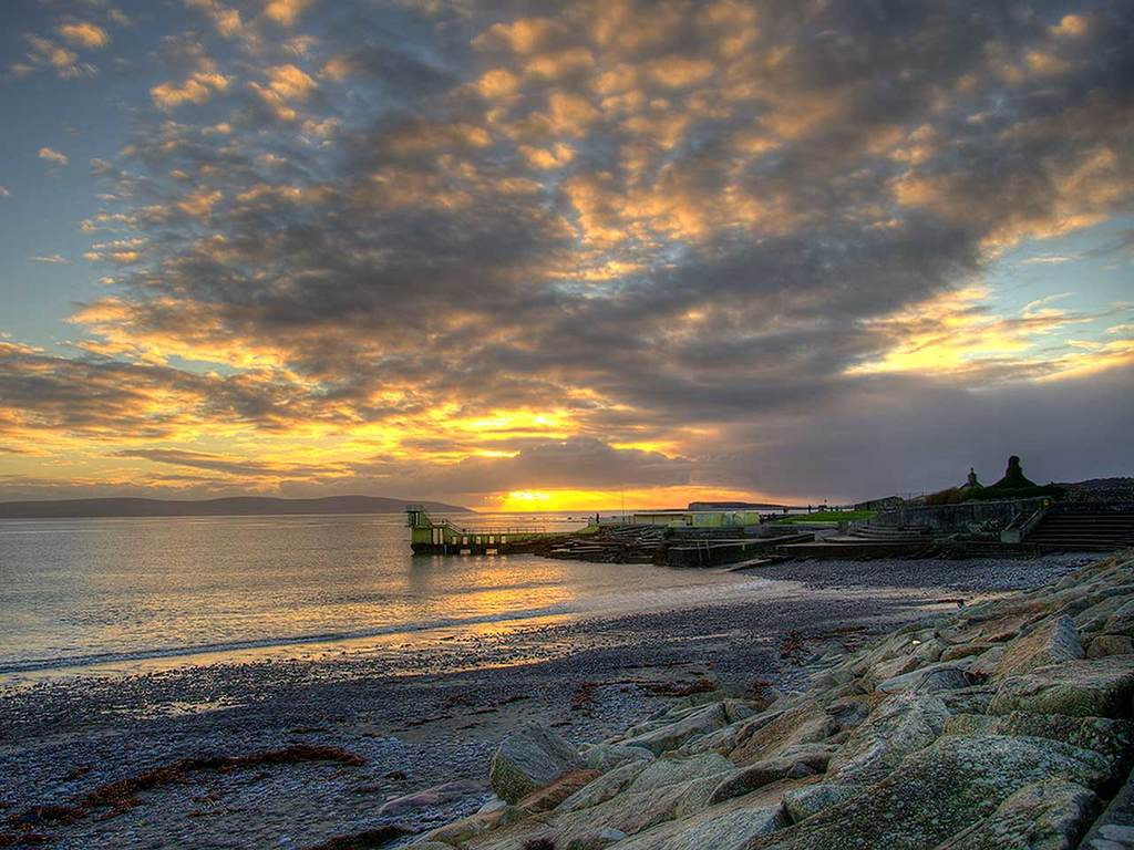 Salthill, Galway, 35 mins away