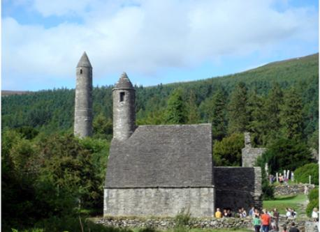 St. Kevin's Tower - Glendalough - 20 mins by car