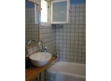 Bathroom - Tub with shower