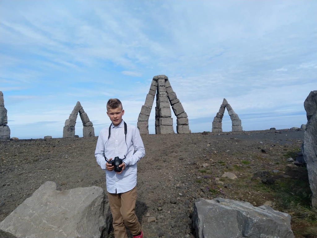 The Arctic-Henge, on the Melrakkaás (Foxhill) in Raufarhöfn. The Heimskautsgerði is around 50 meters in diameter, with 6 meter h