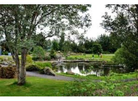Botanical Garden 500 m away