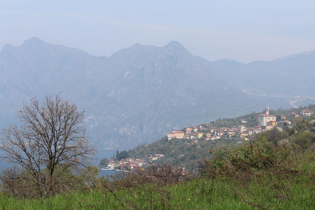 Op Monte Isola