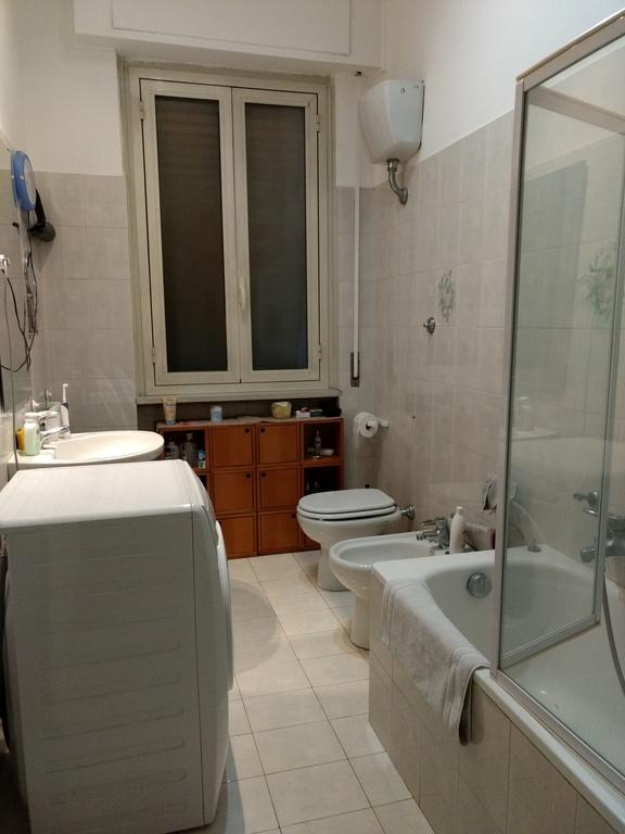 piazza QUINTO CURZIO - bathroom