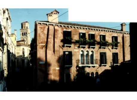 facade: we are on top floor