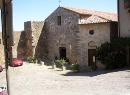 piazza della chiesa- Montemerano
