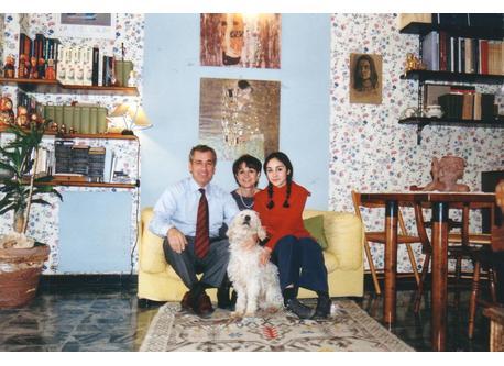 La foto della scheda storica: Luisella, Peppino, Chiara e Snoopy