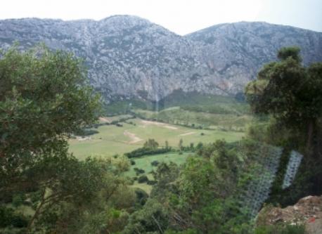 Gita nei paesaggi montani dell' Isola
