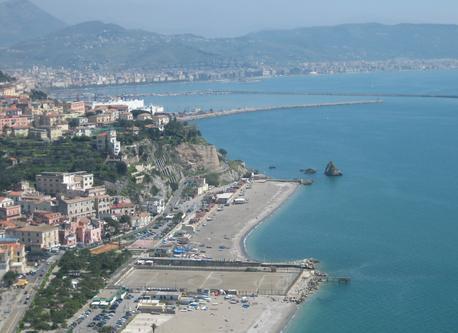 Vietri e spiaggia di Marina di Vietri
