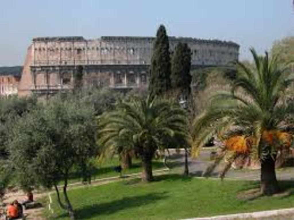 The Colosseum as seen from the Colle Oppio, 10' walk by our house