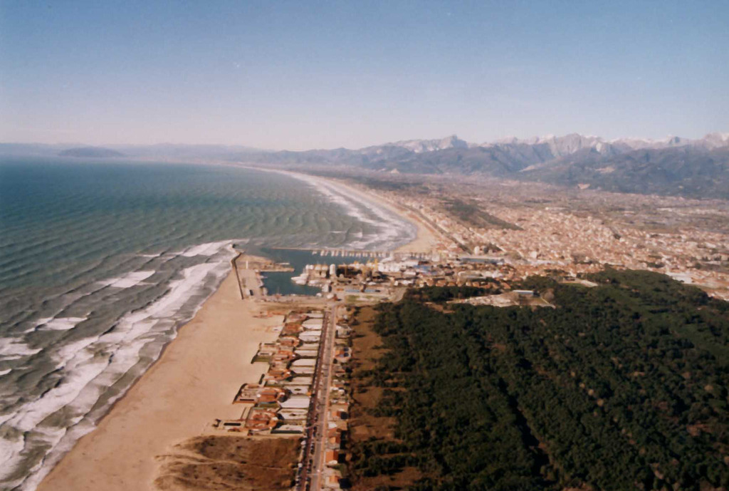 Versilia beachs... sea and montains at 1 hour drive