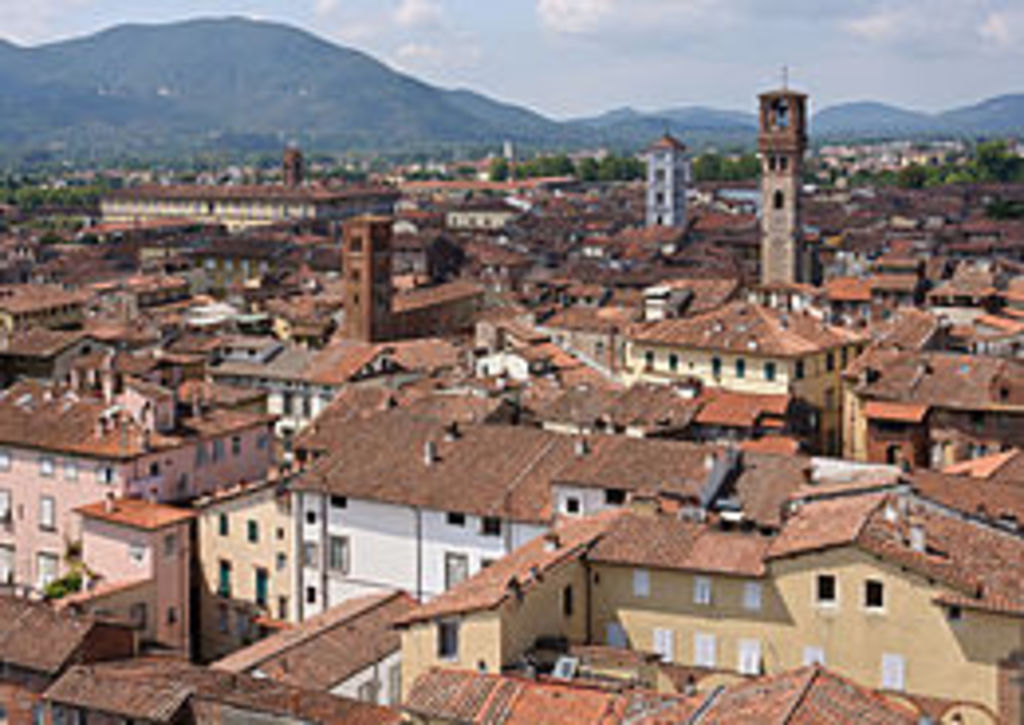 Lucca 25 minuts by car