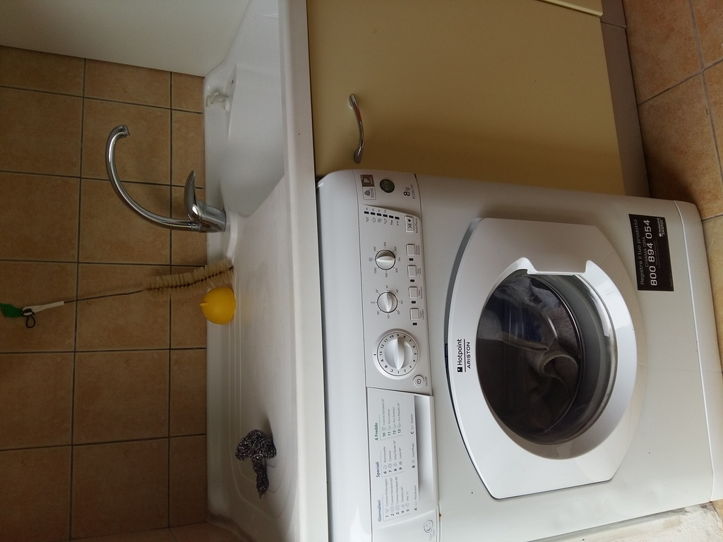 The washing machine is very easy to use.
