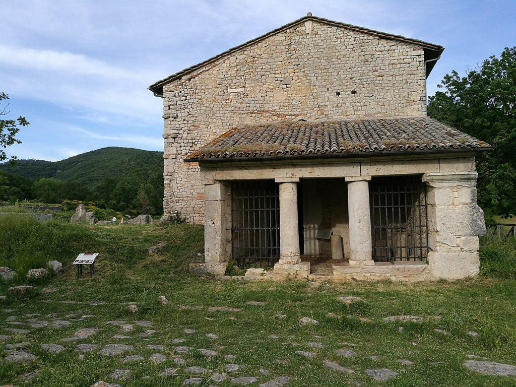 Roman temple in Carsulae