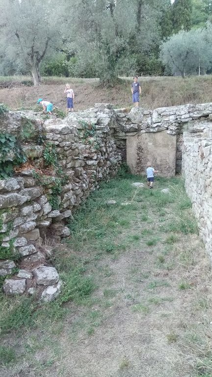 Discovering the local Roman ruins