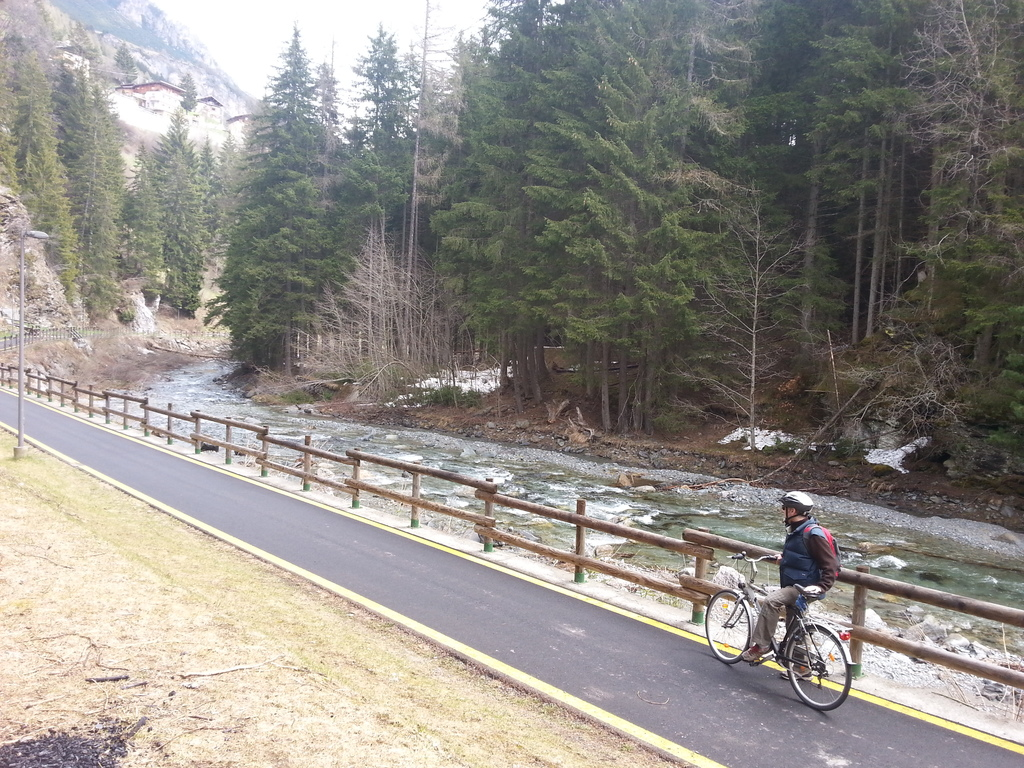 Biking from Bormio to Oga