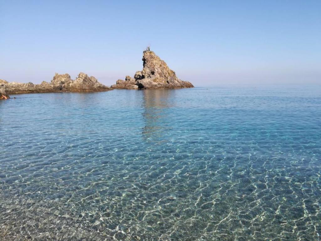 Il favoloso mare della località Tonnara di Palmi