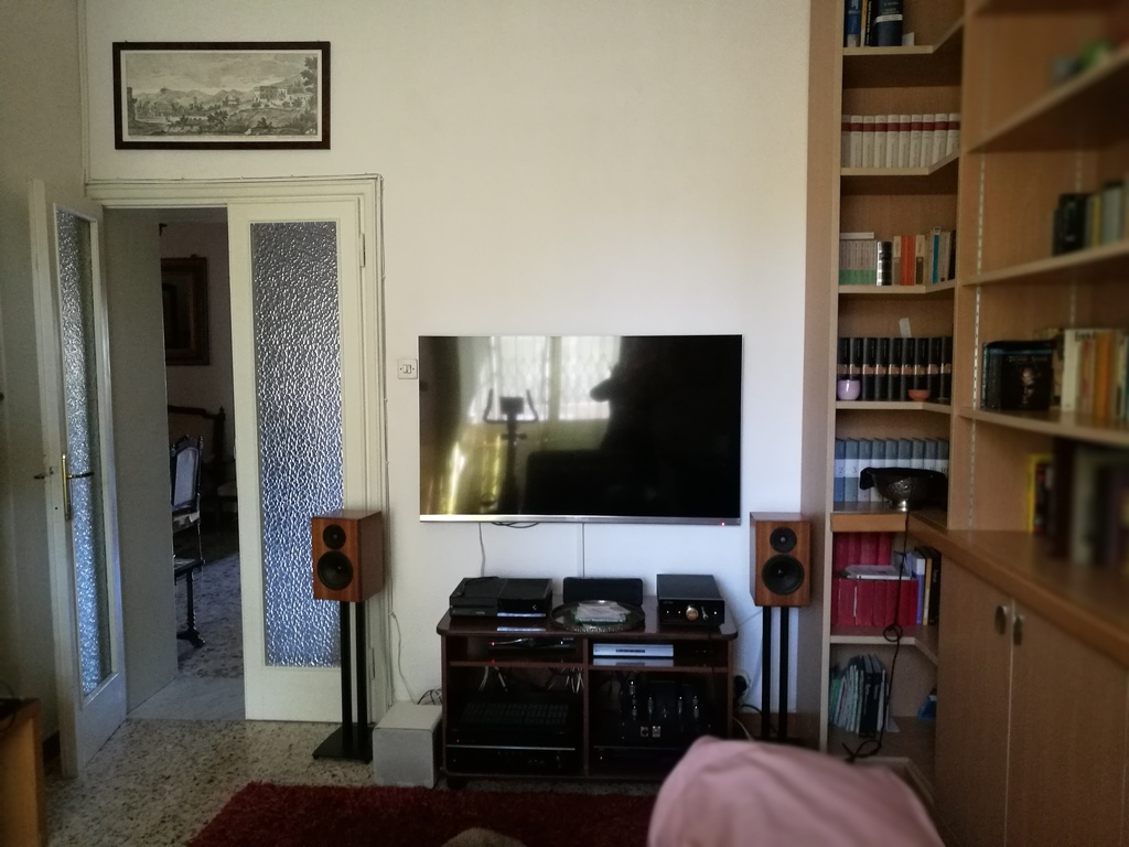 studio 1 with hi-fi, TV Sky, Netflix, console, et.c