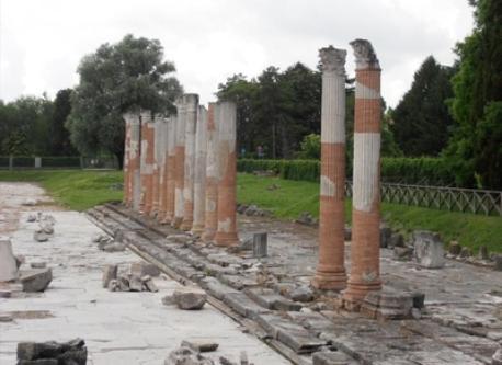 Aquileia (10 Km)