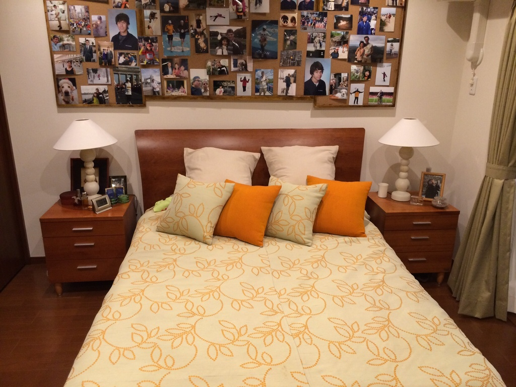 U.S. queen size bed.