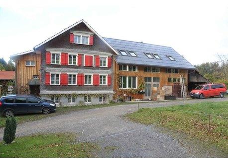 neue helle Wohnung in Landwirtschaftsgebäude (rechte Seite)