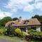Notre maison est un ancien relais de poste (an old coaching inn) datant de 1700.
