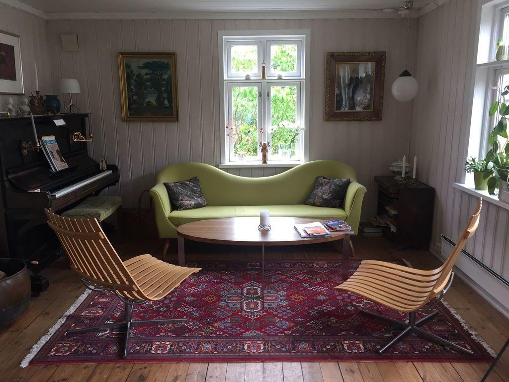 Lounge area:-)