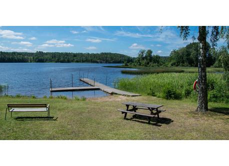 Lake Ver our closest beach, 5 min by car.
