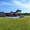 terrain et piscine